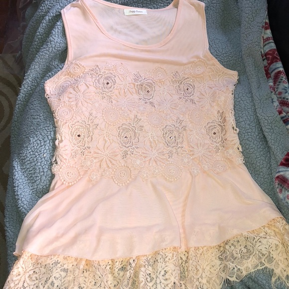 Simply Couture Tops - Light pink lace and beaded tank